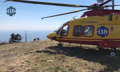 Borso del Grappa, parapendio precipita nel bosco: incolume il pilota recuperato dal Soccorso Alpino