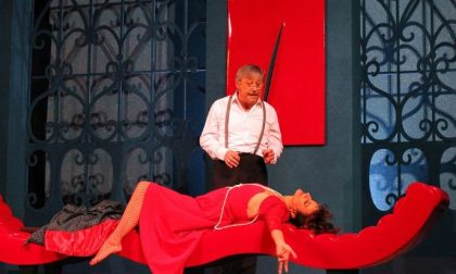 """Stasera a teatro, al Binotto di Villa Correr Pisani """"Chi ti ha detto che eri nudo?"""""""