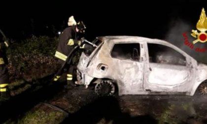 Auto in fiamme a Monfumo