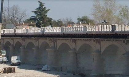 Ponte della Priula, si montano i parapetti