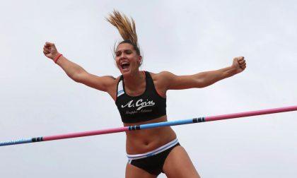 Asta, Elisa Molinarolo a 4,41