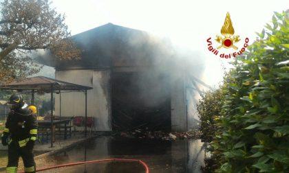 Oderzo, incendio a un capannone, un fumo nero preoccupa gli abitanti