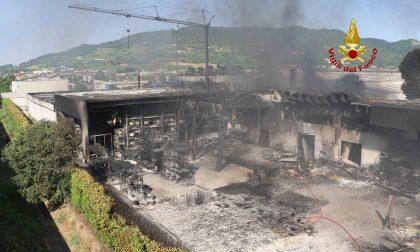 Incendio a Brendola, gli aggiornamenti dell'Arpav