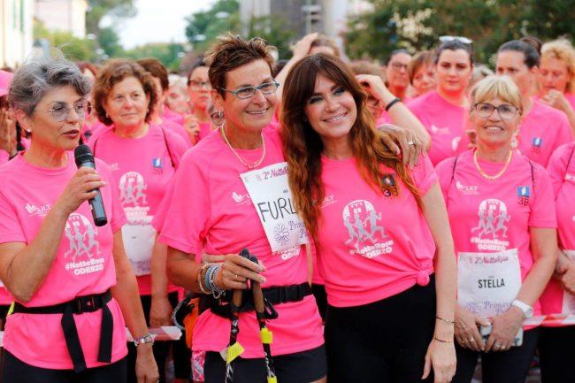 Cinquemila donne colorano di Rosa la notte di Oderzo