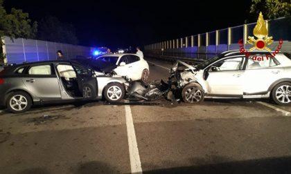 Nella notte scontro tra tre auto sulla strada del Santo