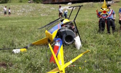 Cade elicottero ultraleggero, due feriti lievi