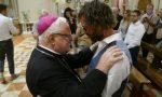 Dopo matrimonio gay prete torna a Verona e celebra messa