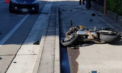 Moto contro auto, muore motociclista 53enne di Vazzola