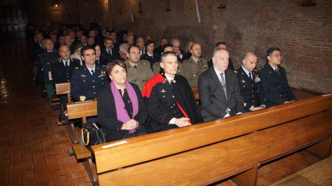 Alla S. Messa, celebrata nella chiesa di San Francesco, hanno partecipato le massime autorità della Provincia e un'ampia rappresentanza di militari.