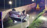 Auto nel fosso, salvo per miracolo il guidatore