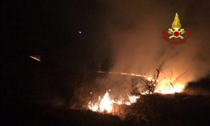Monte Grappa, vasto incendio in corso