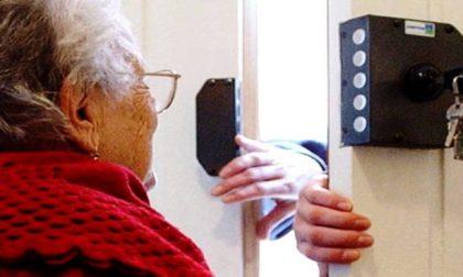 """Truffe agli anziani, usano i figli contro le vittime prescelte: """"Fate attenzione"""""""
