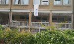 Strage di Capaci, esposto lenzuolo bianco dal balcone del Municipio di Pederobba