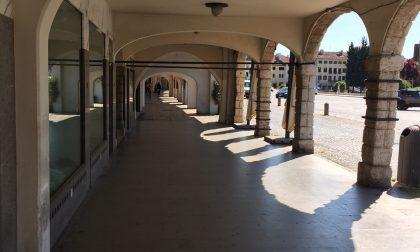 Riaperture Castelfranco: Contarina ripulisce i portici del centro