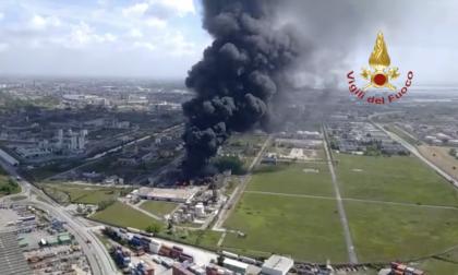 Incendio Marghera: le immagini shock dei Vigili del Fuoco VIDEO e GALLERY