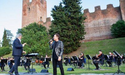 """""""Rinascerò, Rinascerai"""": anche Castelfranco è tornata live con Roby Facchinetti"""