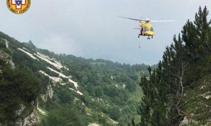 Borso del Grappa, 50enne tedesco precipita col parapendio: recuperato dal Soccorso alpino della Pedemontana
