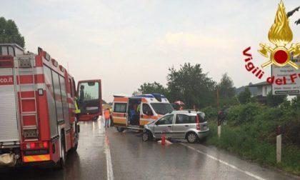 Incidente tra due auto a Montebelluna: 3 feriti di cui uno grave