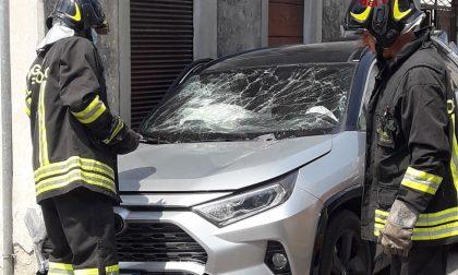 Pieve di Soligo, scontro tra due auto con perdita di gas: due contusi