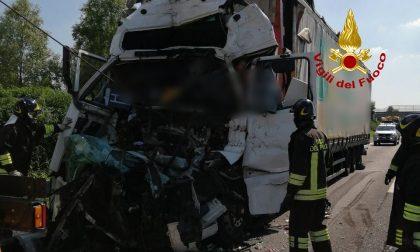 Autostrada A4, doppio incidente: un morto e tre feriti tra cui un bimbo di 9 anni – FOTO