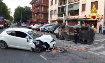 Incidente Treviso, scontro tra due auto: conducente ferito liberato dai Vigili del fuoco