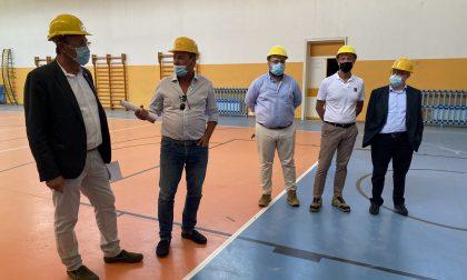 """Venti aule e tre nuovi laboratori alla sede Ghirada dell'Istituto """"Giorgi-Fermi"""": sopralluogo al cantiere"""