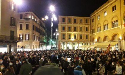 """Protesta Dpcm Treviso, il ruggito di Piazza dei Signori: """"Ora basta, fateci lavorare!"""" – VIDEO"""