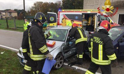 Incidente a Orsago, violento scontro tra due auto: quattro feriti