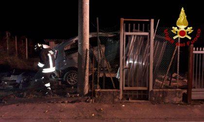 Incidente in località Col San Martino: auto contro una cabina del gas