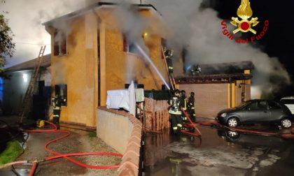 Grave incendio a Montebelluna, casa distrutta e inquilini in ospedale – VIDEO