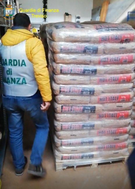 Vendita irregolare di pellet: sequestrate 46 tonnellate di prodotto a Loria