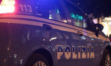 Controlli anti assembramento, concerto live al pub sospeso dagli agenti: gestore sanzionato