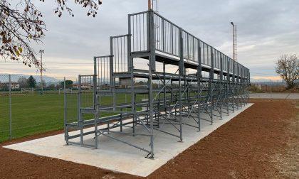 Campo da calcio di Busta: installate le tribune provenienti dal campo di Biadene