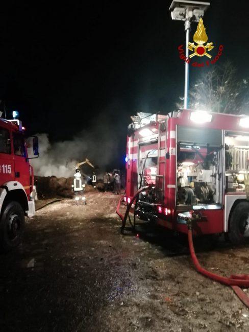 Incendio Asolo, va a fuoco fienile adiacente alla stalla: fiamme domate dai pompieri