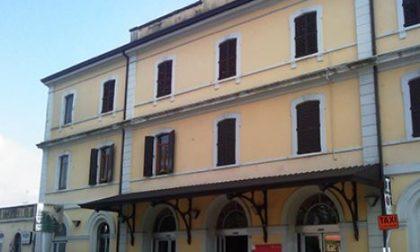 Si denuda in stazione a Castelfranco: interviene la Polizia locale