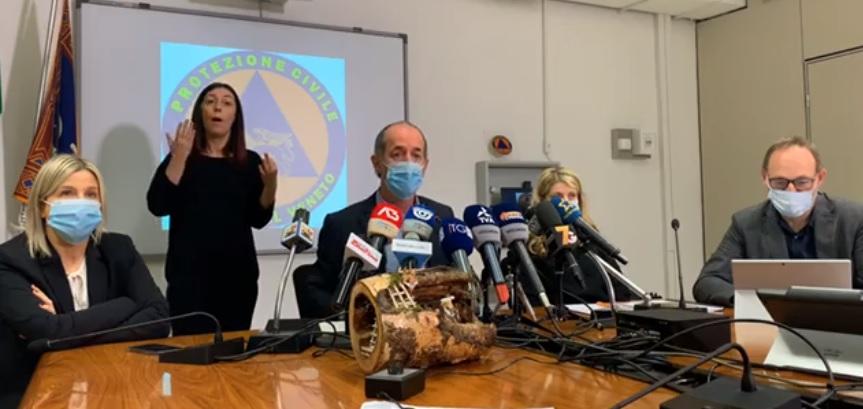 """Covid, nuova ordinanza Zaia: """"Confini comunali chiusi dalle 14""""   +4402 positivi   Dati 17 dicembre 2020"""