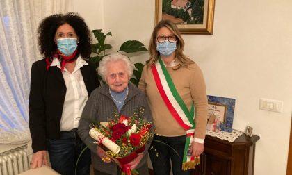 Nonna Gina ha compiuto 103 anni: è la più anziana di Vedelago ma non rinuncia all'estetista!