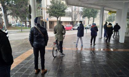 """Lunghe code fuori dagli uffici postali, sindaco Conte: """"Serve una soluzione"""""""