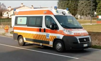 Camion travolge bicicletta, muore una donna di 79 anni
