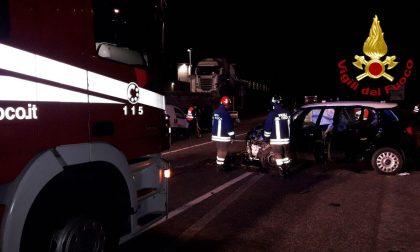 Grave incidente sulla Feltrina, scontro tra auto e furgone: ferita anche una bambina di 7 anni