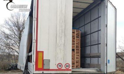 Scarica bancali di legna e scopre un profugo nel camion: viaggio clandestino dalla Bosnia Erzegovina