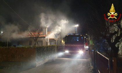Incendio nella notte a Conegliano: garage avvolto dalle fiamme