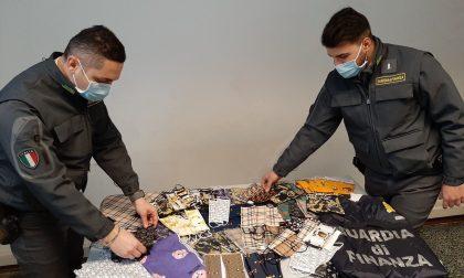 """False mascherine """"griffate"""" di Gucci e Prada: oltre 4mila dispositivi sequestrati dalla Finanza"""