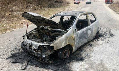 Cadavere carbonizzato all'interno dell'auto: è di un 79enne di Vittorio Veneto