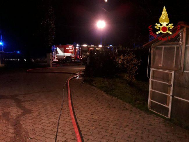 Incendio legnaia a Zero Branco, le foto dell'intervento dei Vigili del fuoco