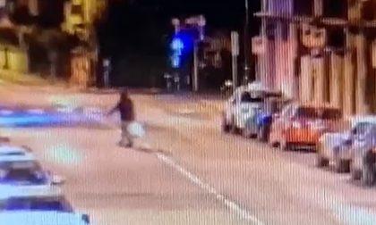 """Ecco il filmato dell'eco vandalo recidivo in azione a Treviso: """"Sì, sono stato io"""""""