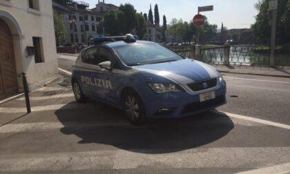 """Raid vandalico al parcheggio """"Dal Negro"""", stemmi rubati a diverse auto di lusso"""