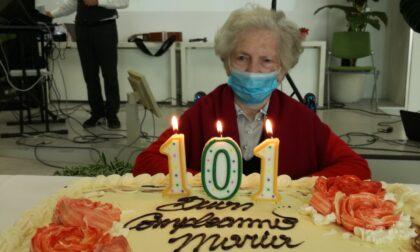 Maria e la sua carica dei 101 (anni): «Spero di leggere sul giornale che il virus non c'è più»