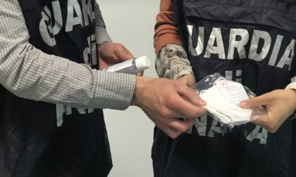 Sequestrate oltre 100mila mascherine chirurgiche e 300 litri di gel igienizzante non in regola
