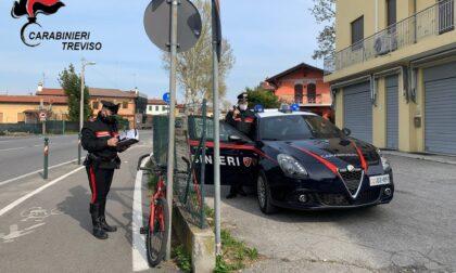 Aggredisce una ragazzina per rubarle la borsetta, 44enne arrestato